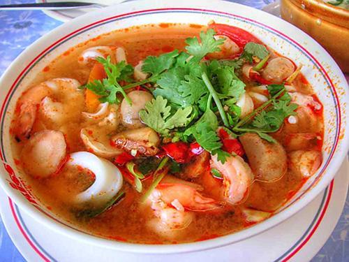 tom yam kung thaise garnalensoep